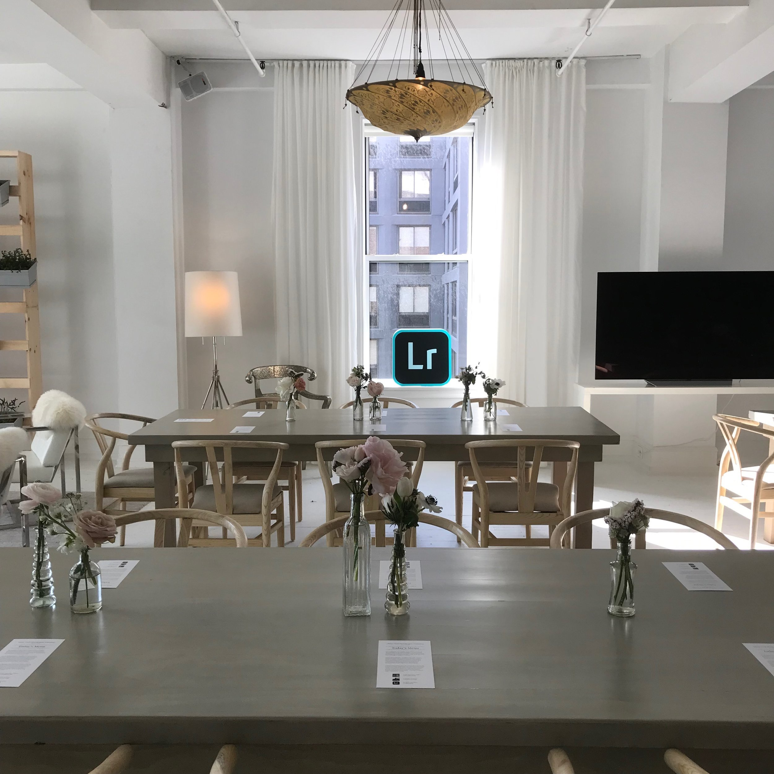 table-flower-setting-window-NYC-event