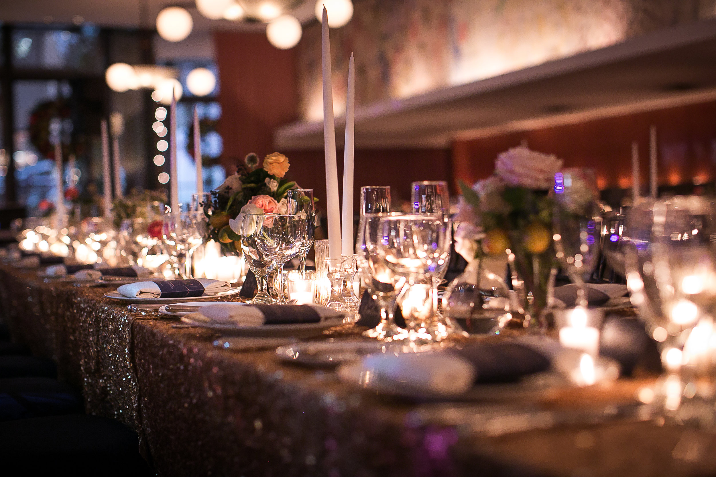 candlelit-reception-table-chic-elegant-taper-candles-sequin