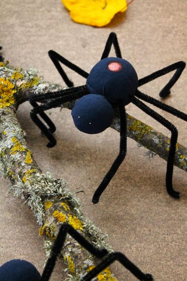 DIY Spooky Spiders