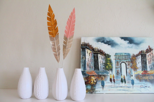 decorative+feathers.jpg