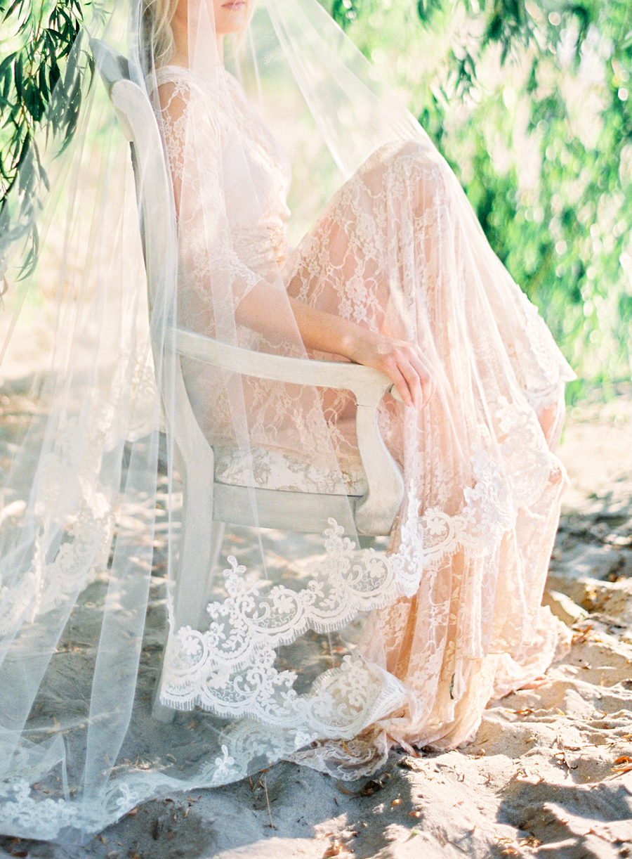 Seaside_Bridal_Inspiration_Boudoir_Kurtz_Orpia (16 of 32).JPG
