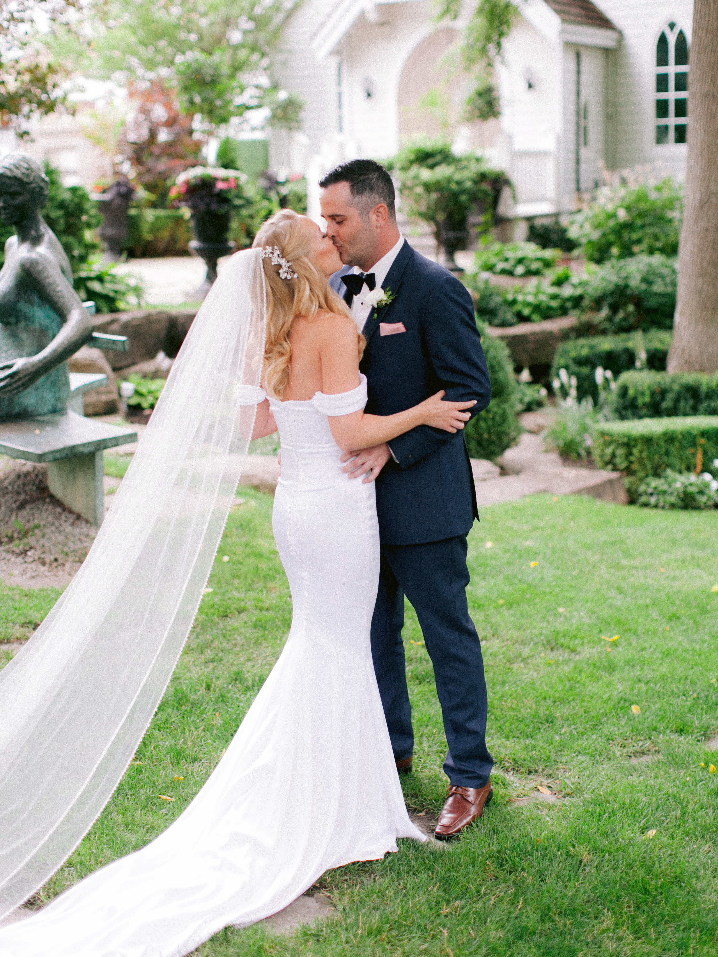 Toronto_Niagara_Wedding_Photographer_Fine_art (9 of 65).jpg