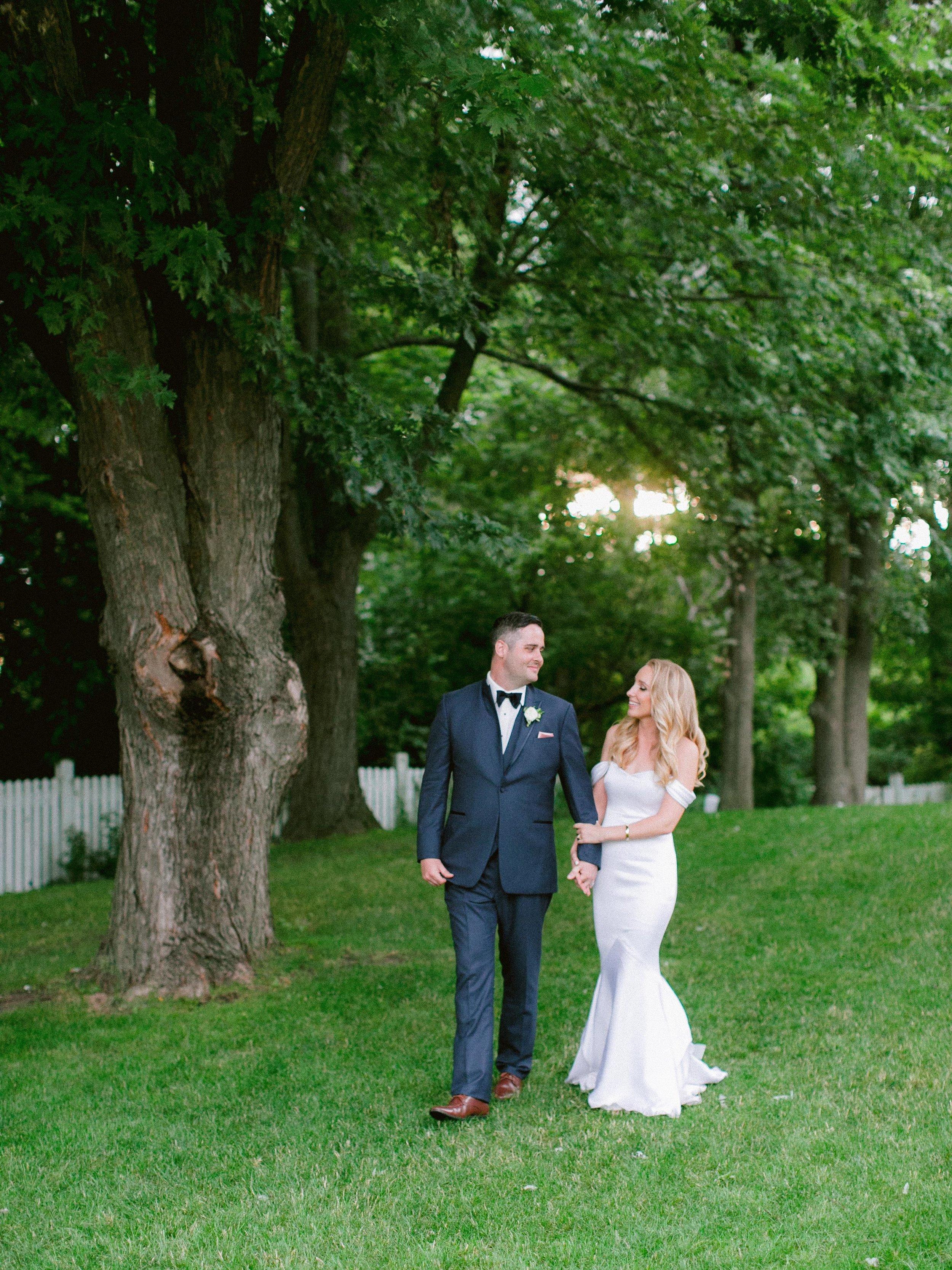 Summer_Engagament_Session_Toronto_Niagara_Wedding_Photographer (3 of 3).jpg