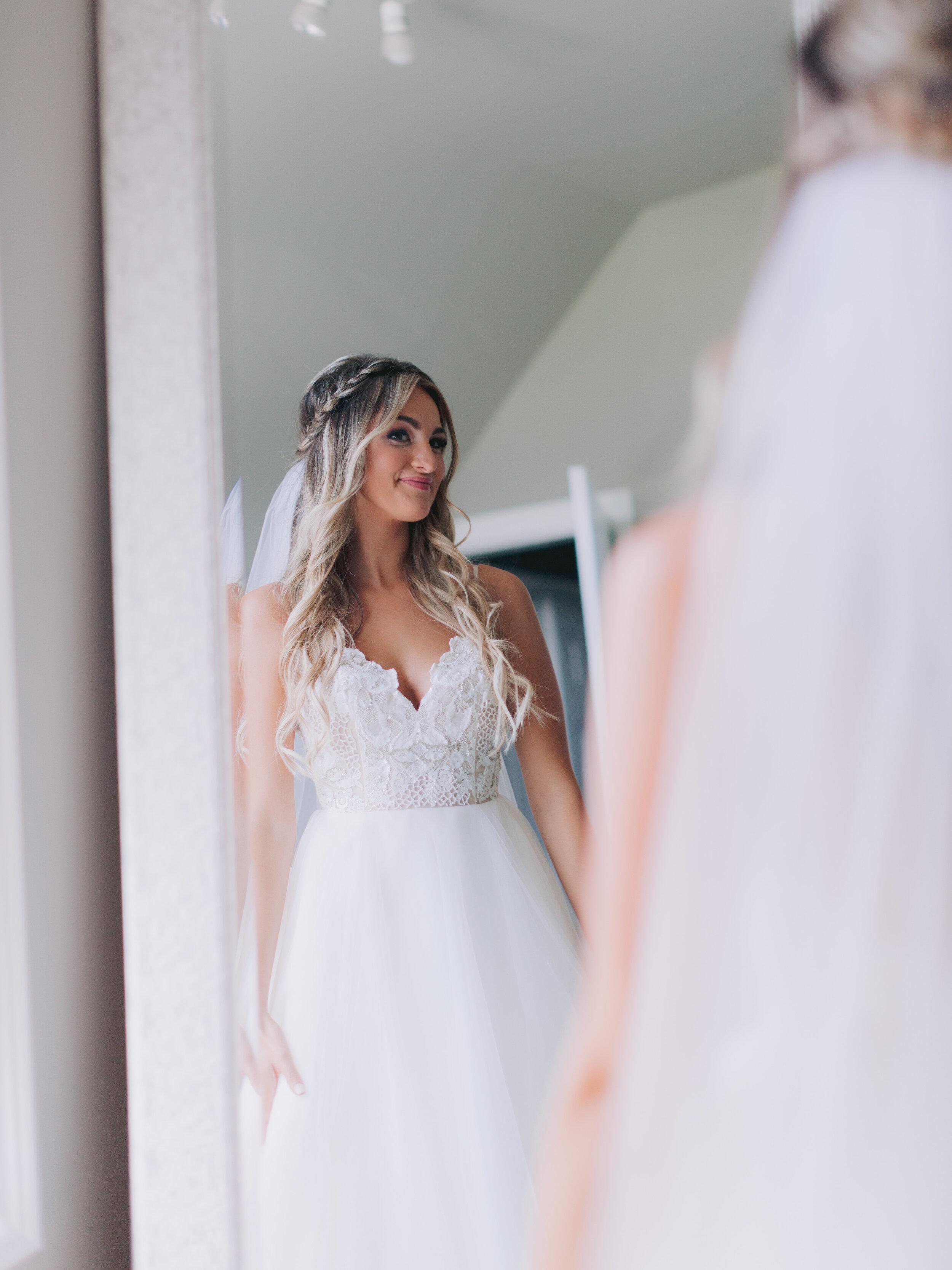 Bride Getting Ready (37 of 84).JPG