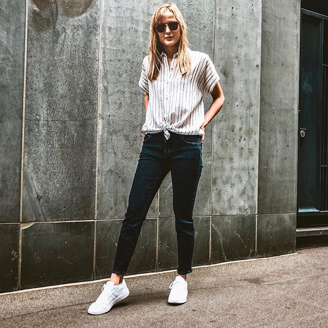 Saturday stylin' in @eileenfisherny and @parkersmithjeans! Shop the Eileen Fisher August delivery through Sunday with $25 off your purchase #eileenfisher #summerstyle