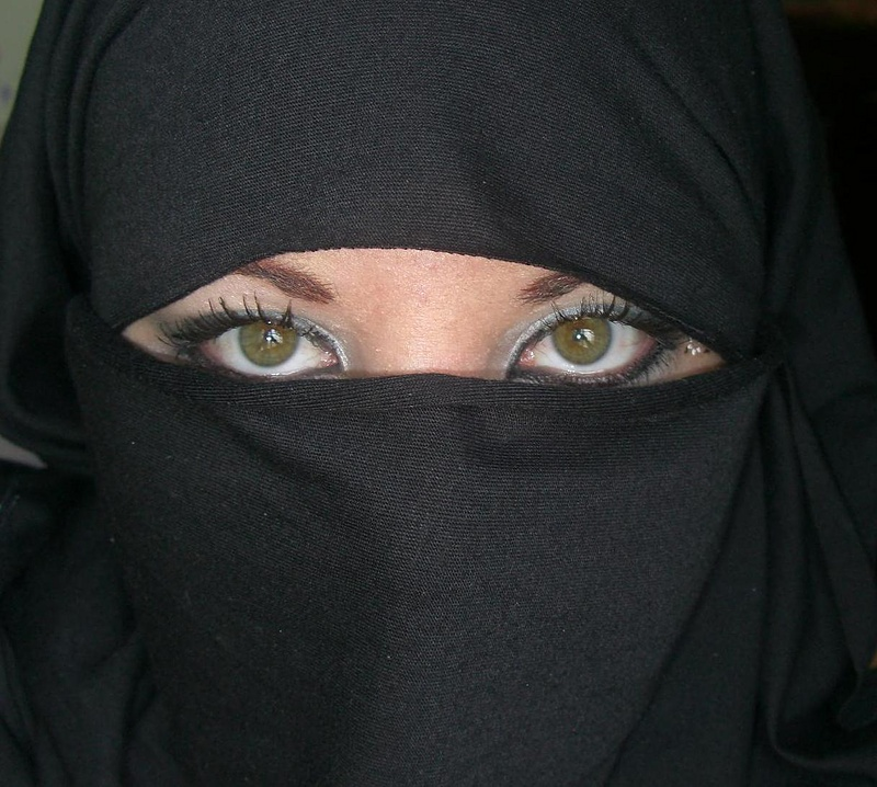 Foto: Illustrasjon.   https://miscellany101.wordpress.com/tag/niqab/