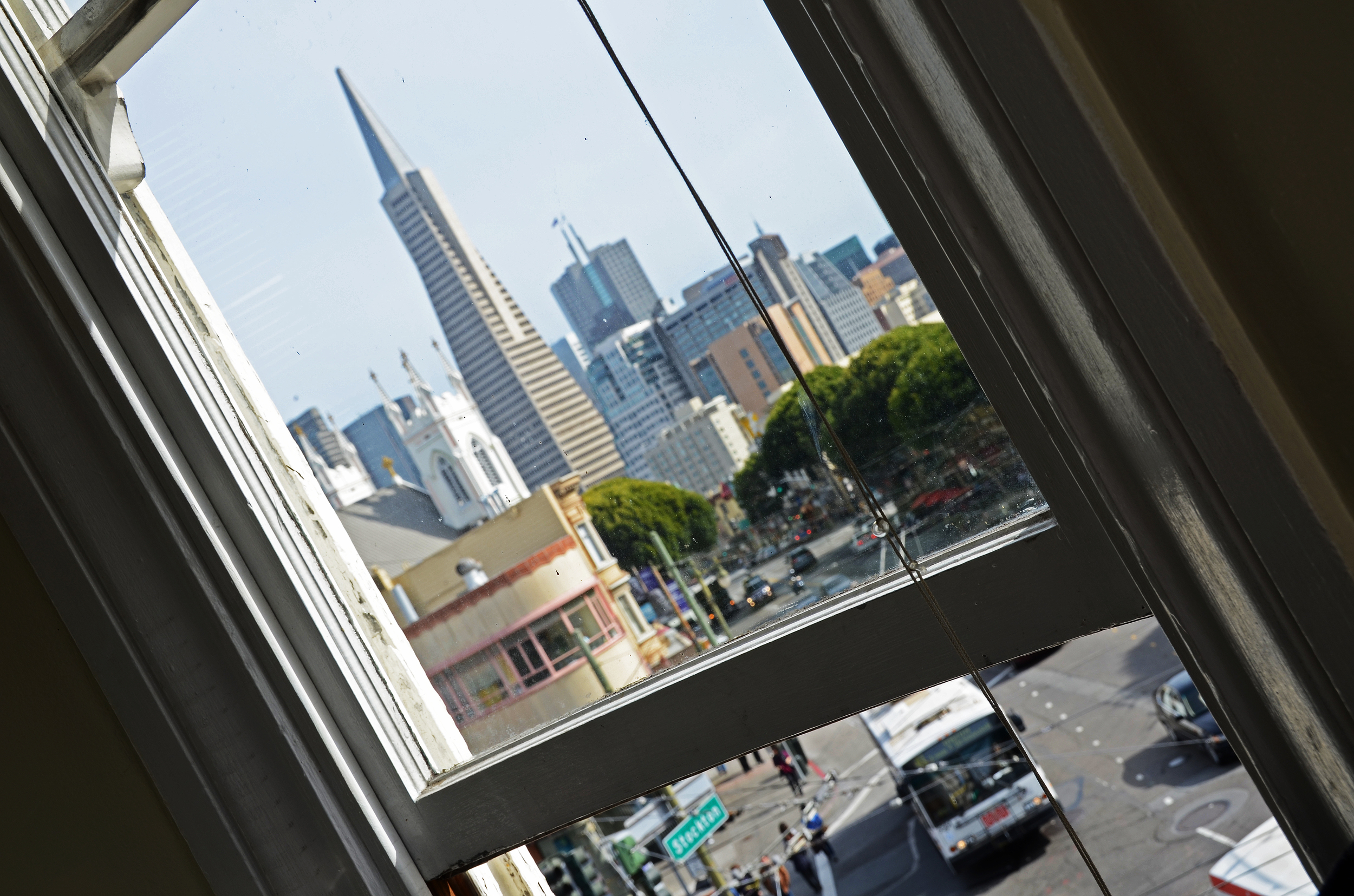 window_tilt.jpg