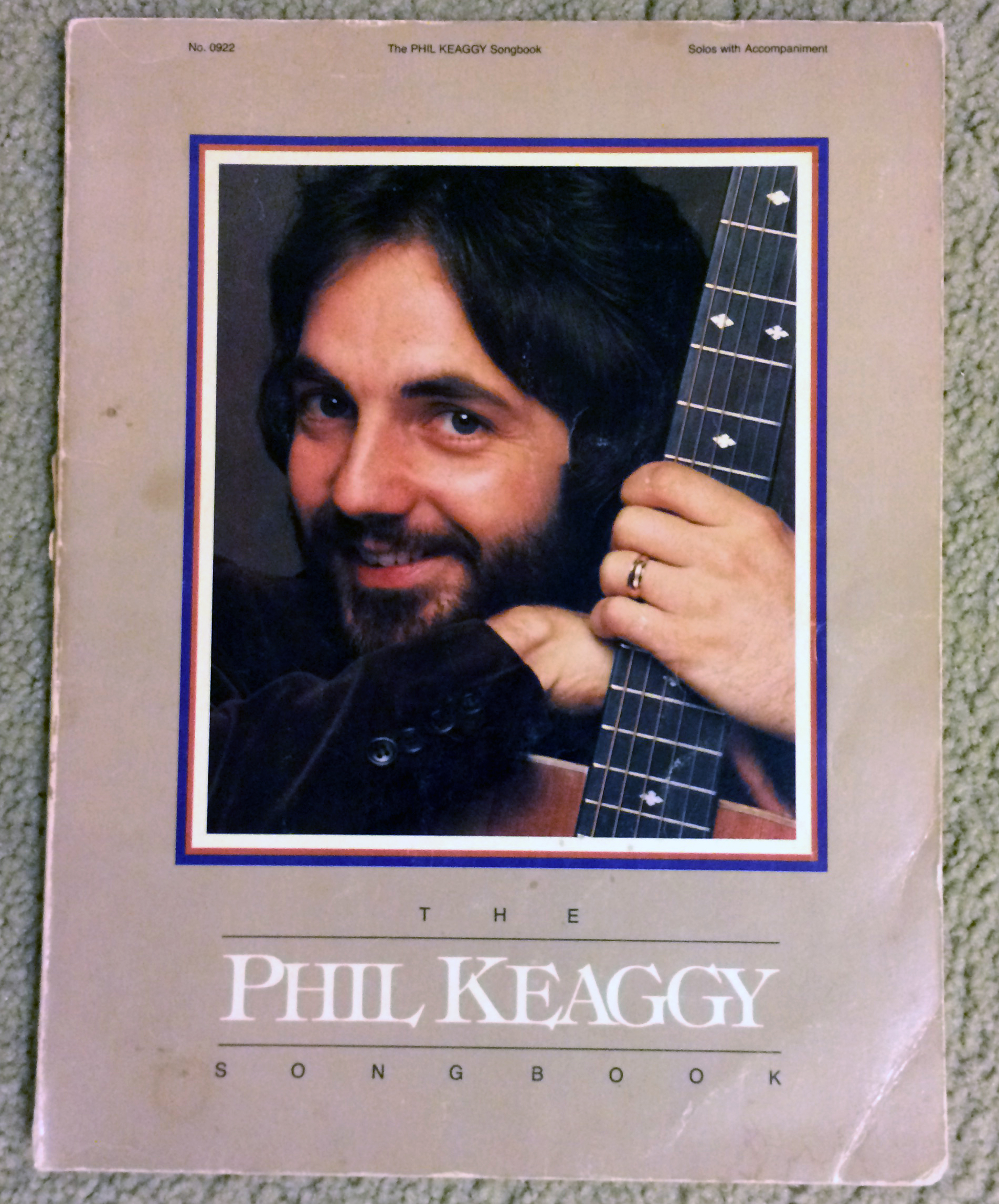 One of the finest guitarists ever, Phil Keaggy, had a songbook that featured solos in standard notation.
