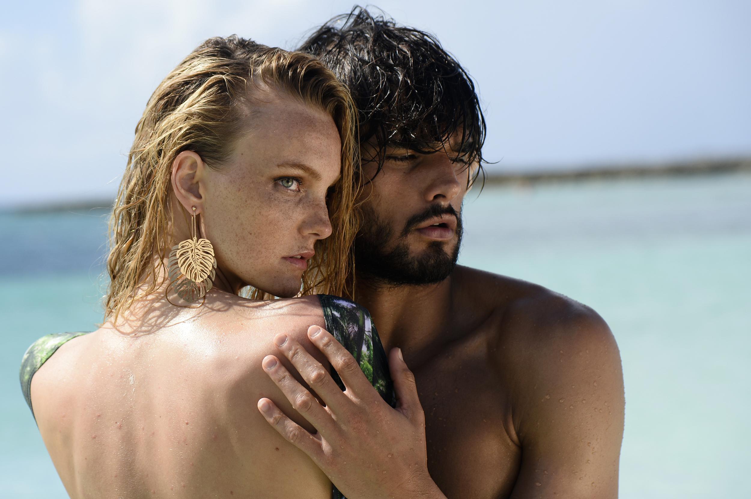 Agua de Coco - C&A - Marlon Texeira and Carol Trentini
