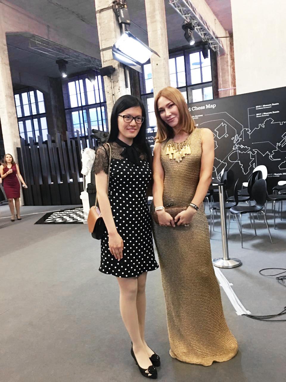Виктория Король и гроссмейстер из Китая Хоу Ифань