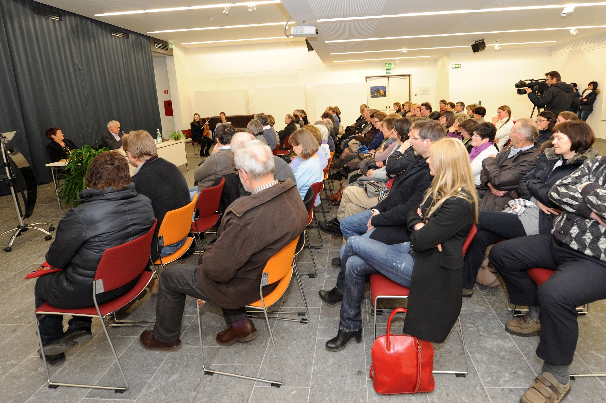 presentaziun_liber_teresa_4.jpg