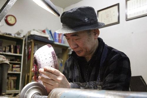Edo kiriko (glass carving)   Yoshiro Kobayashi