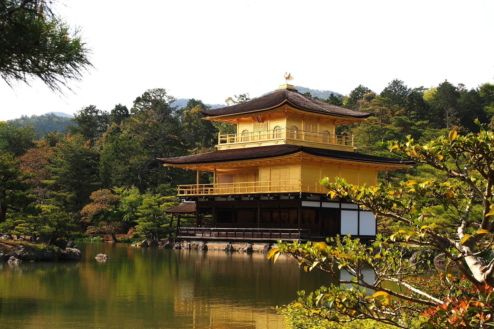 gold-temple-420675_1920.jpg