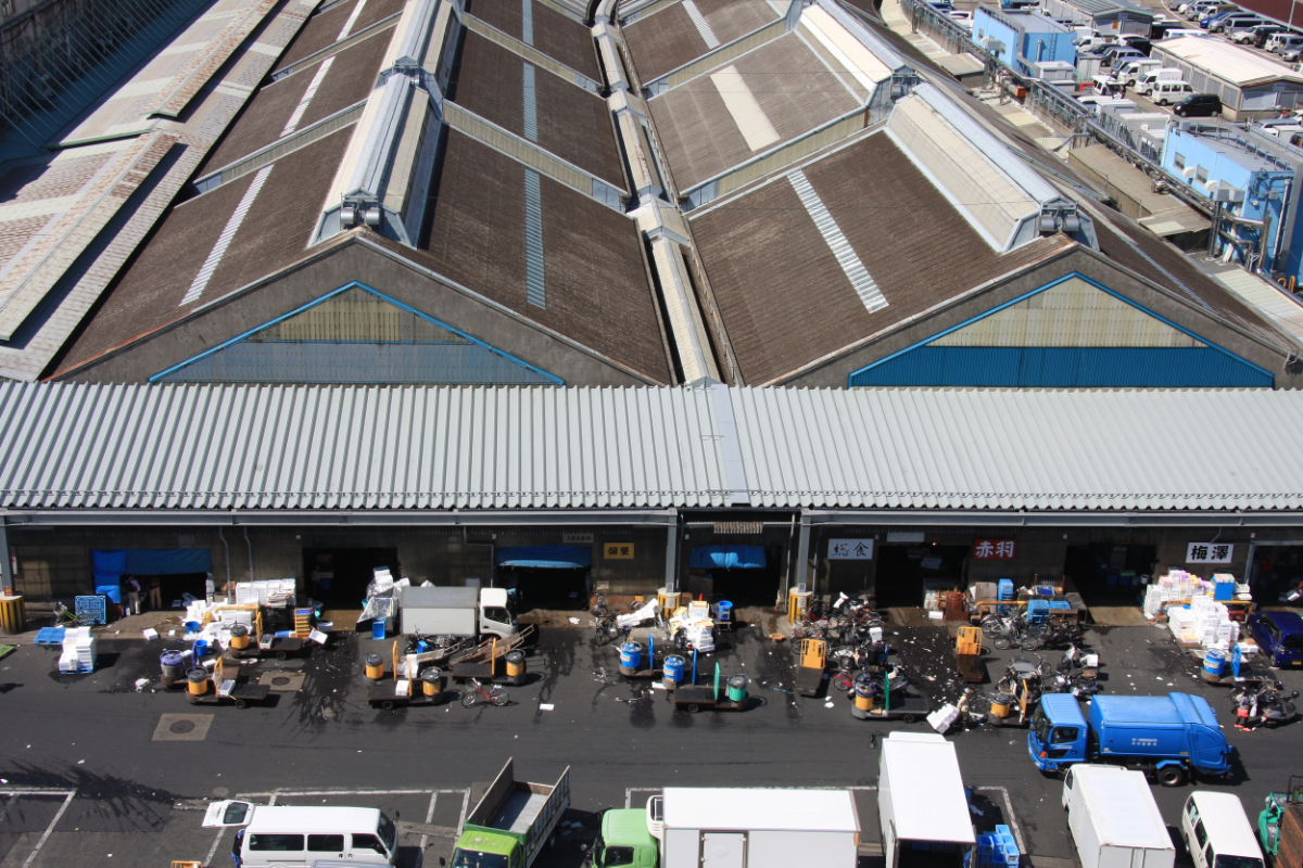 Bird's-eye view of the Tsukiji fish market