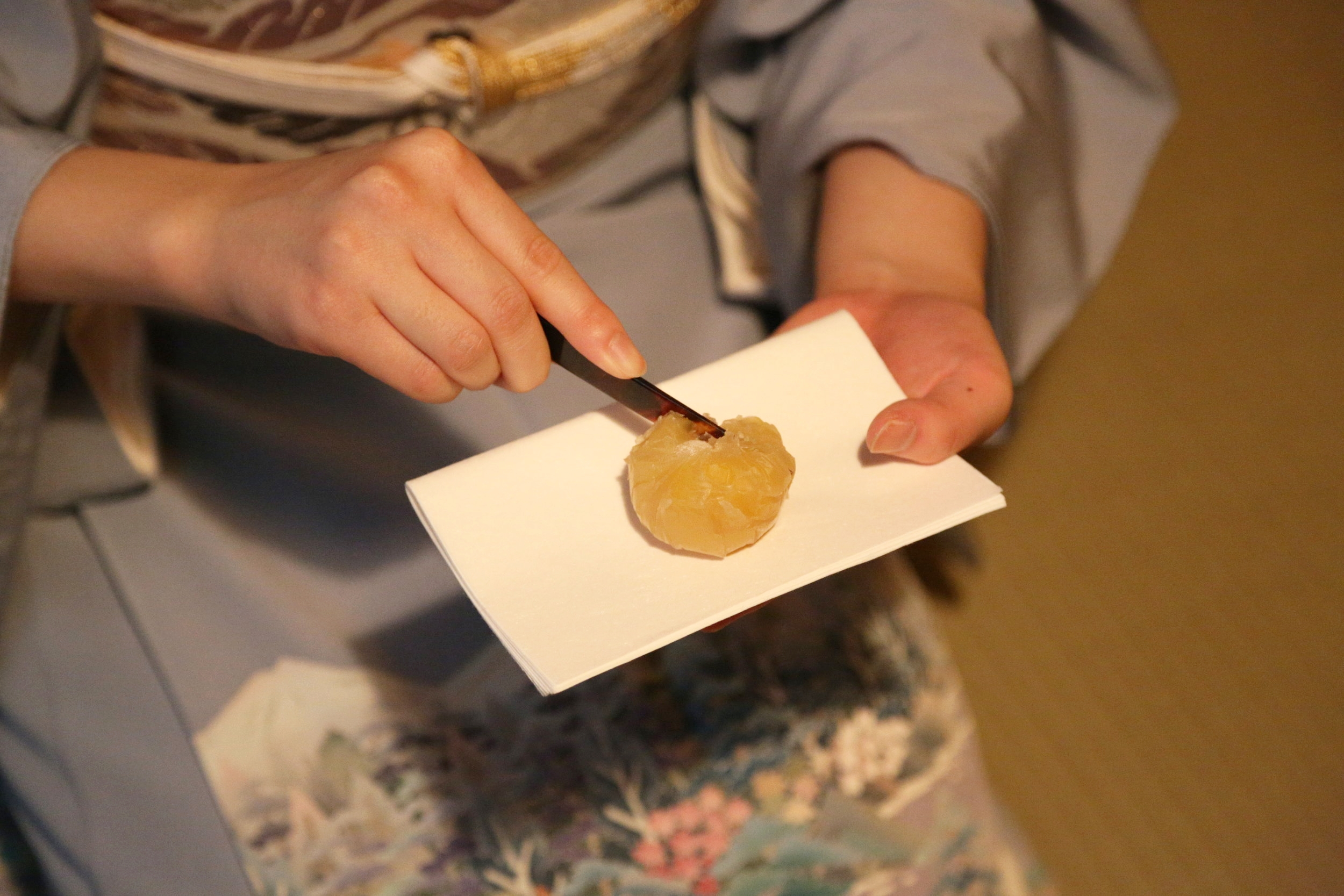 Traditional Japanese sweets,  wagashi , are prepared on paper dishes called  kaishi.  ©TOKI