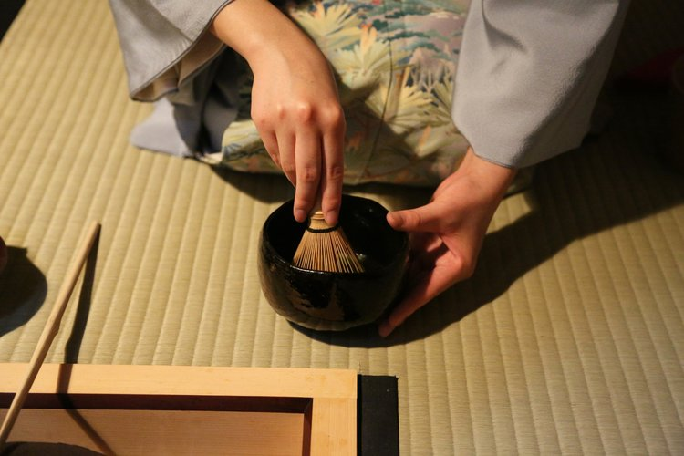 PREPARATIONS BEFORE PARTICIPATING IN TEA CEREMONY