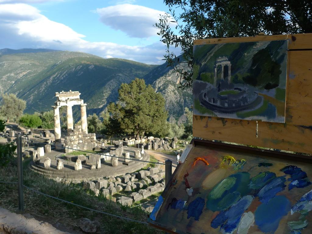 Matthew Lee-Delphi circle temple.jpg