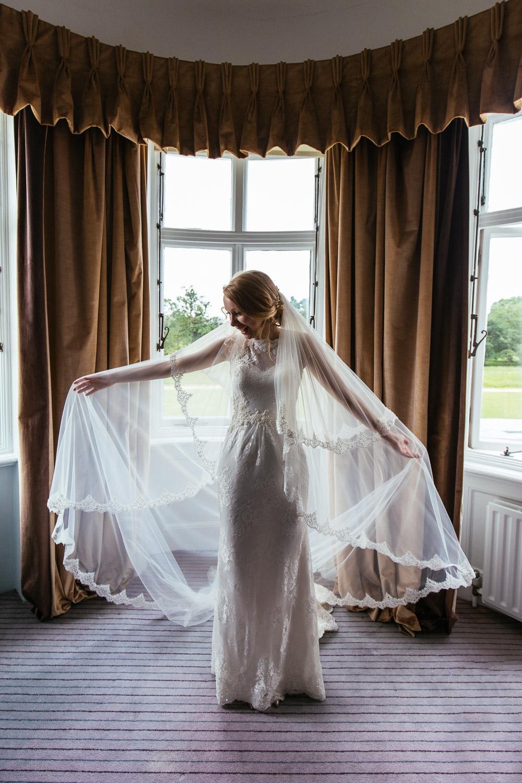 Lizi-and-Mark-Wedding-Highlights-14.jpg