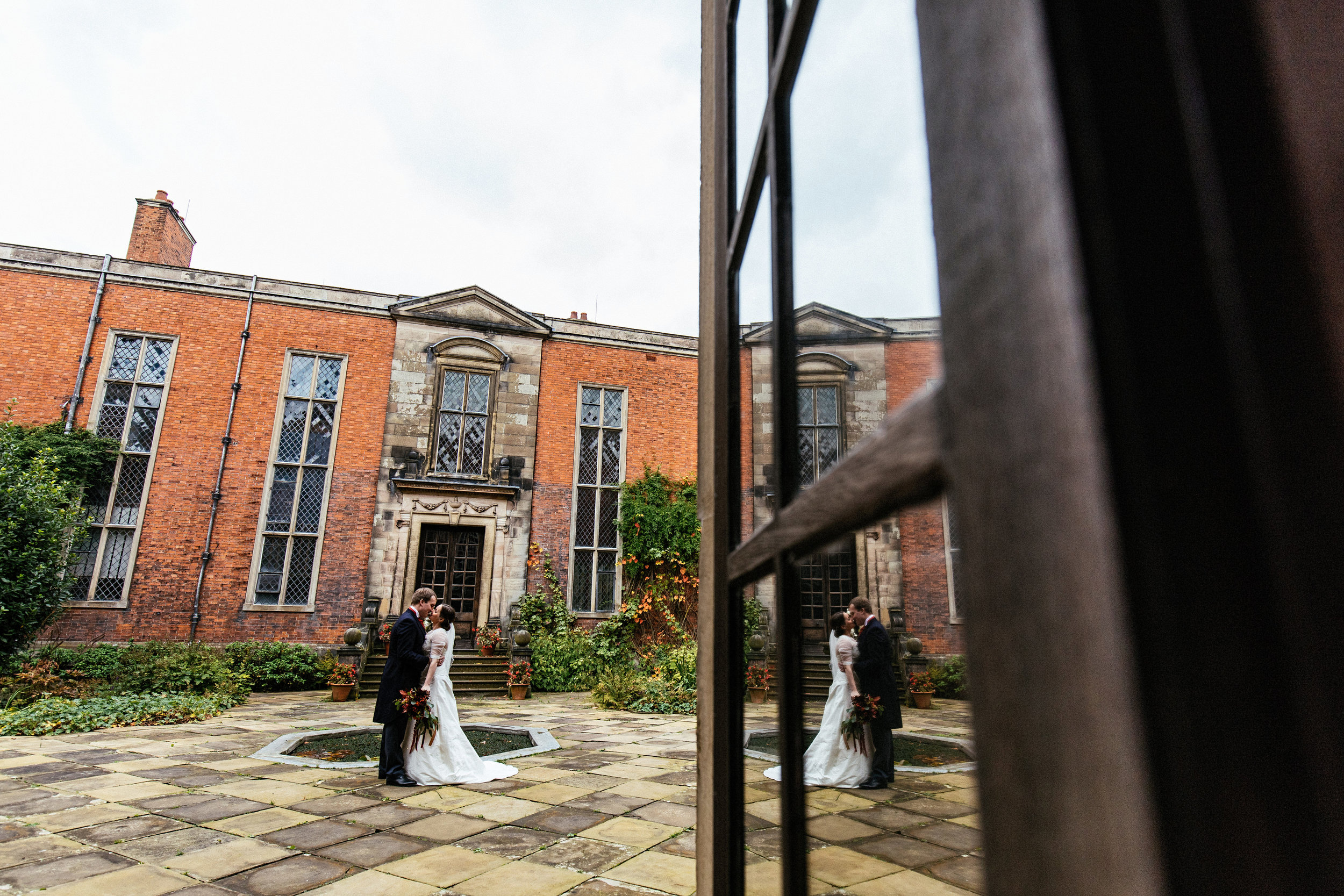 Dunham-Massey-Wedding-Photographer-41.jpg