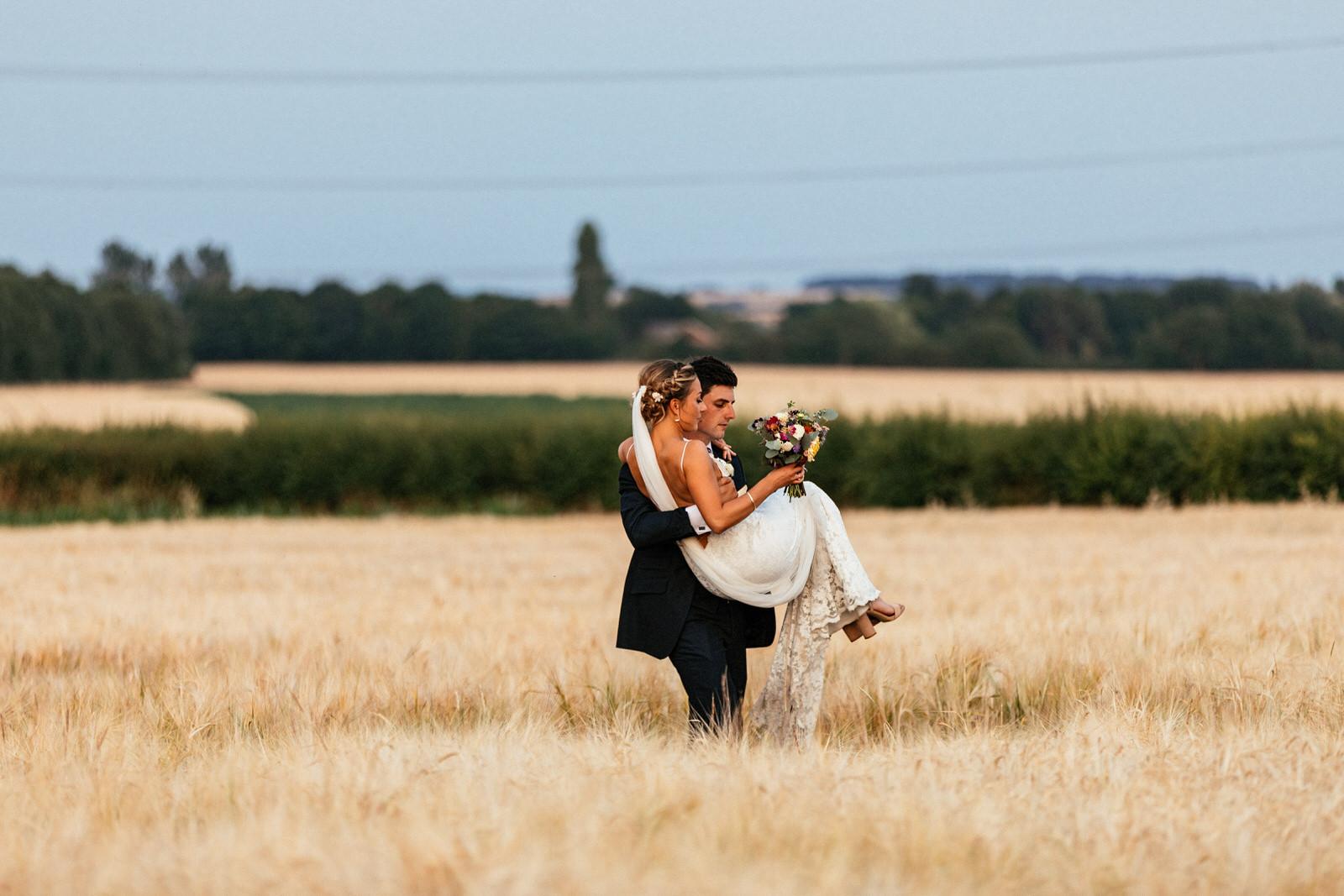 Edworth-Manor-Farm-Wedding-Photographer-075.jpg