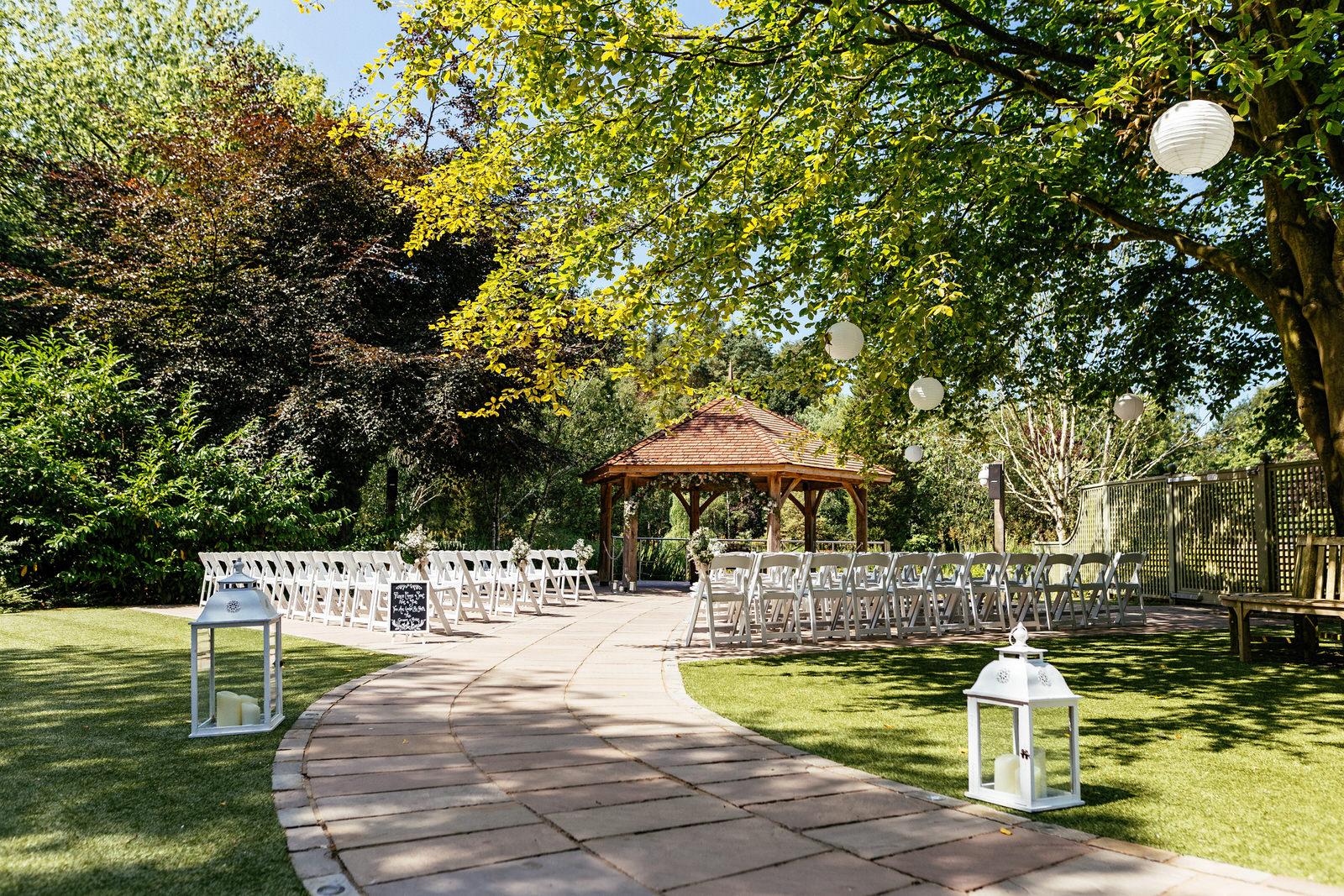 Moddershall-Oaks-Spa-Wedding-Photographer-004.jpg