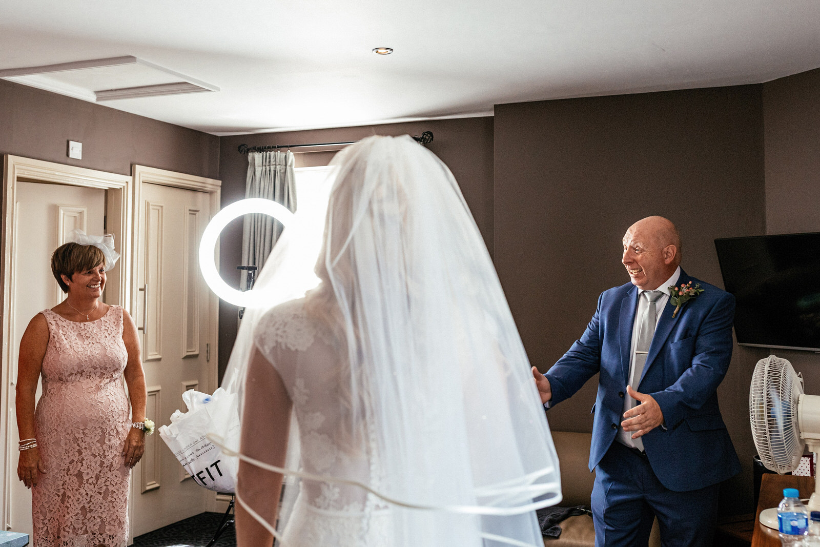 Moddershall-Oaks-Spa-Wedding-Photographer-010.jpg