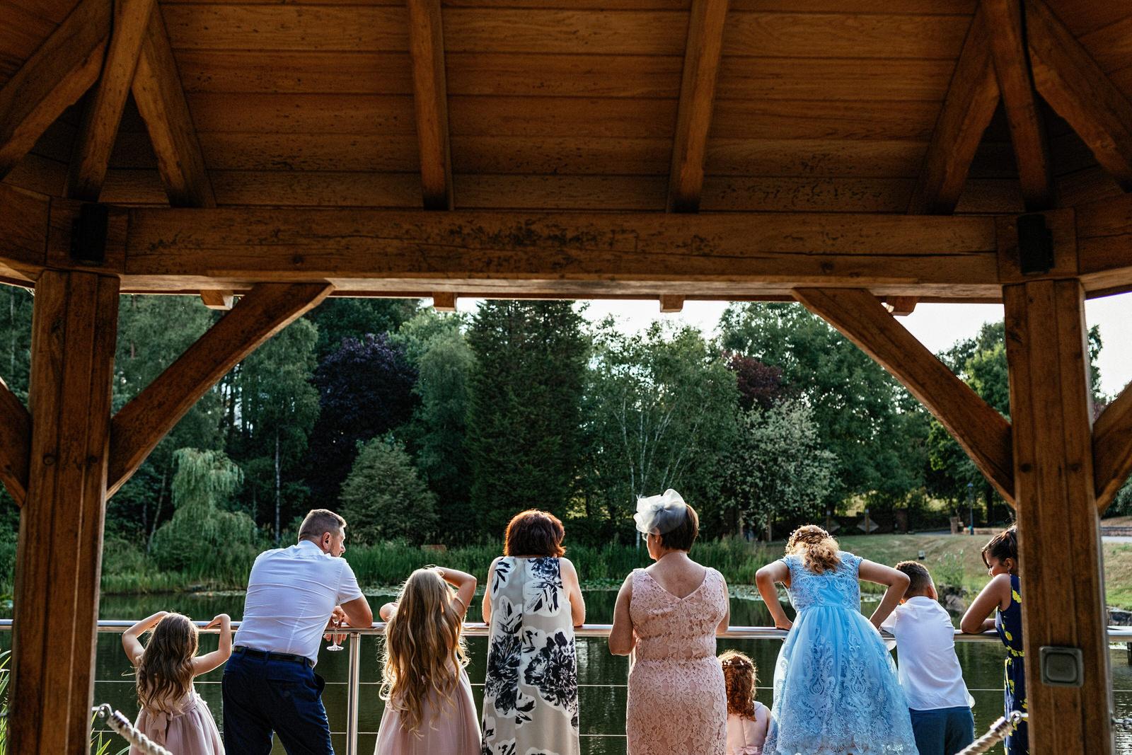 Moddershall-Oaks-Spa-Wedding-Photographer-060.jpg