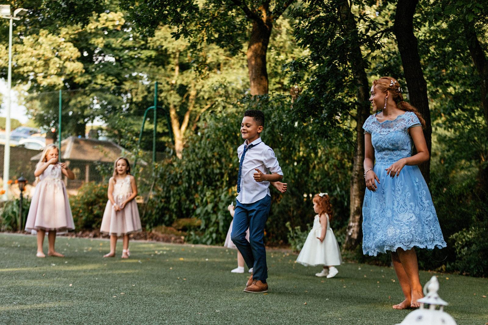 Moddershall-Oaks-Spa-Wedding-Photographer-065.jpg
