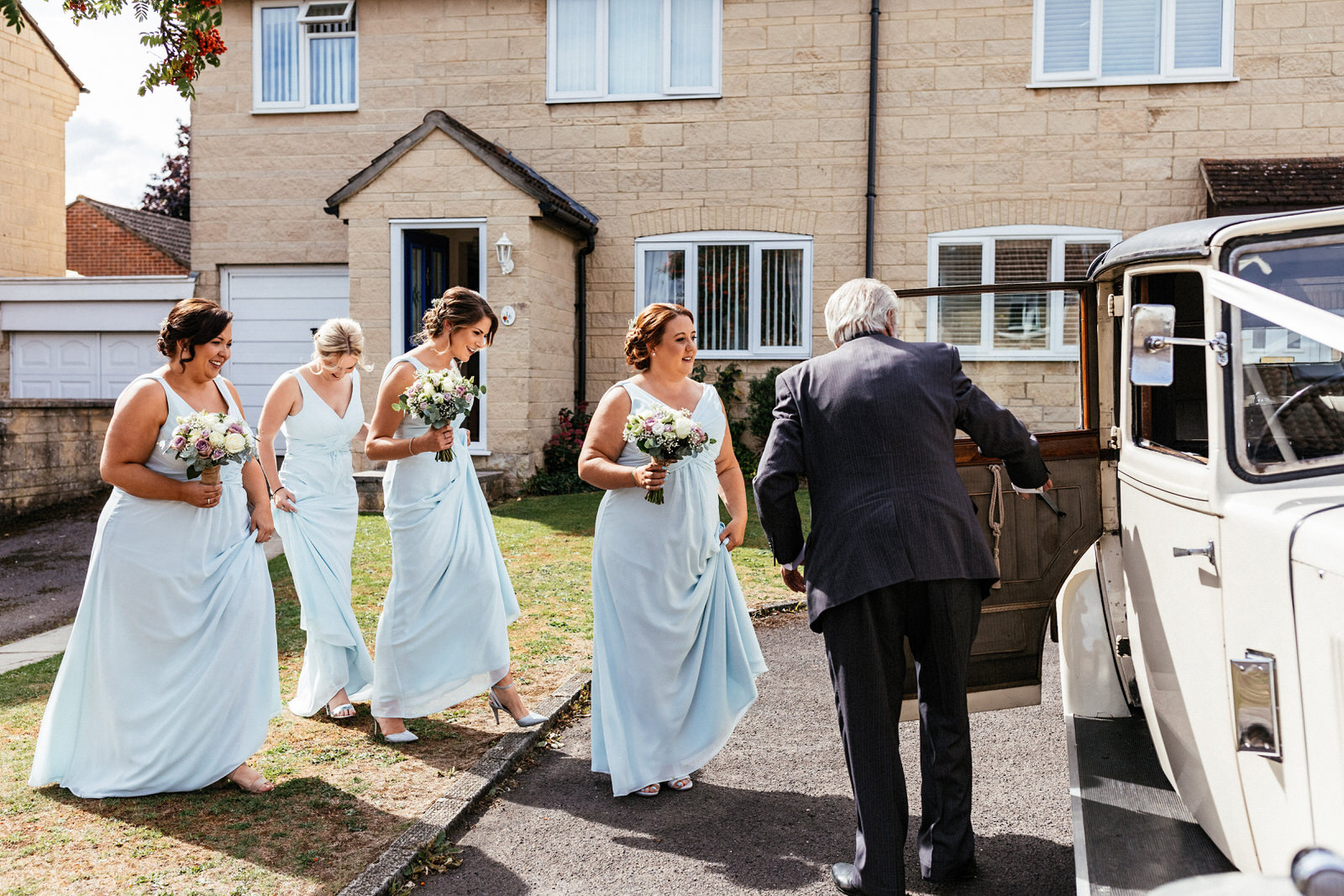 Winkworth-Farm-Wedding-Photographer-023.jpg