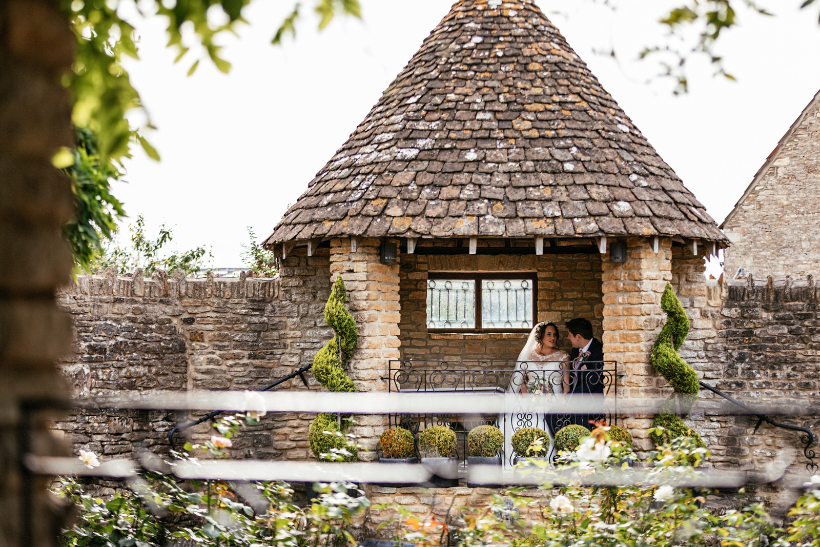 Winkworth-Farm-Wedding-Photographer-099.jpg