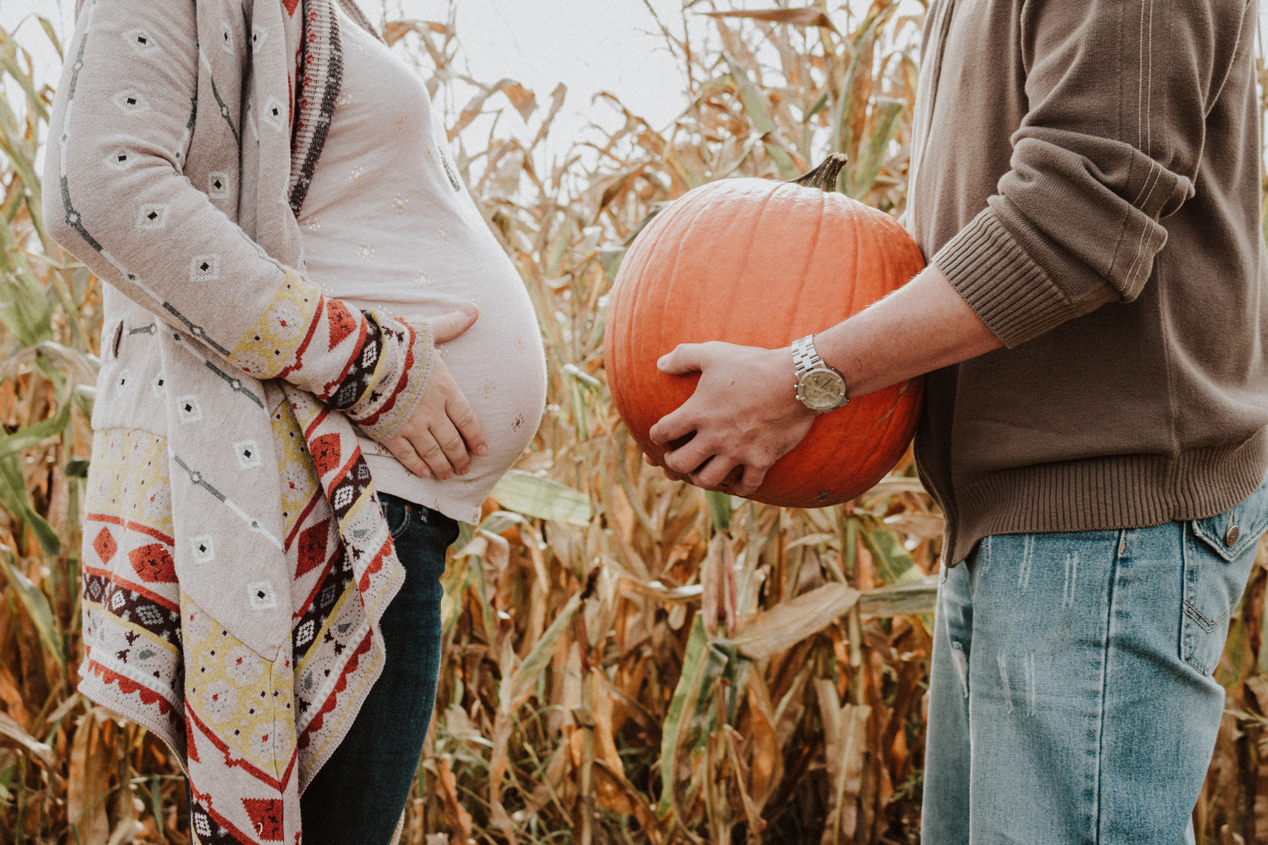 Fall Maternity Photos | Lauren Alexandra Photography