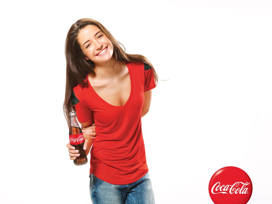 Coca-Cola_2921_girl-LOGO.jpg