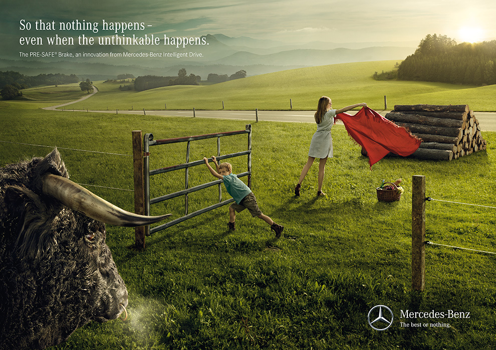 03_Mercedes-Benz_Chain Reaction_Bull_EN.jpg