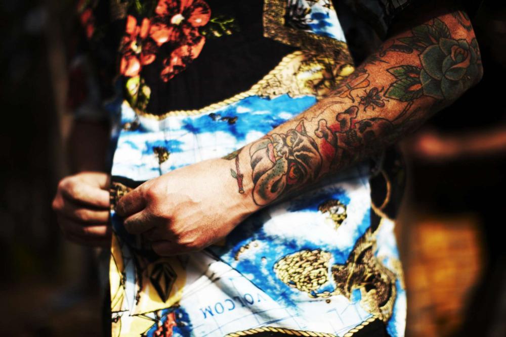 dxthm1000.51f29350985e0_Christian_Kozowyk_tattooed_man.jpg