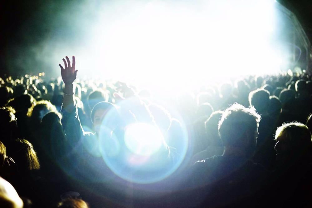 dxthm1000.Christian_Kozowyk_concert_lights.jpg