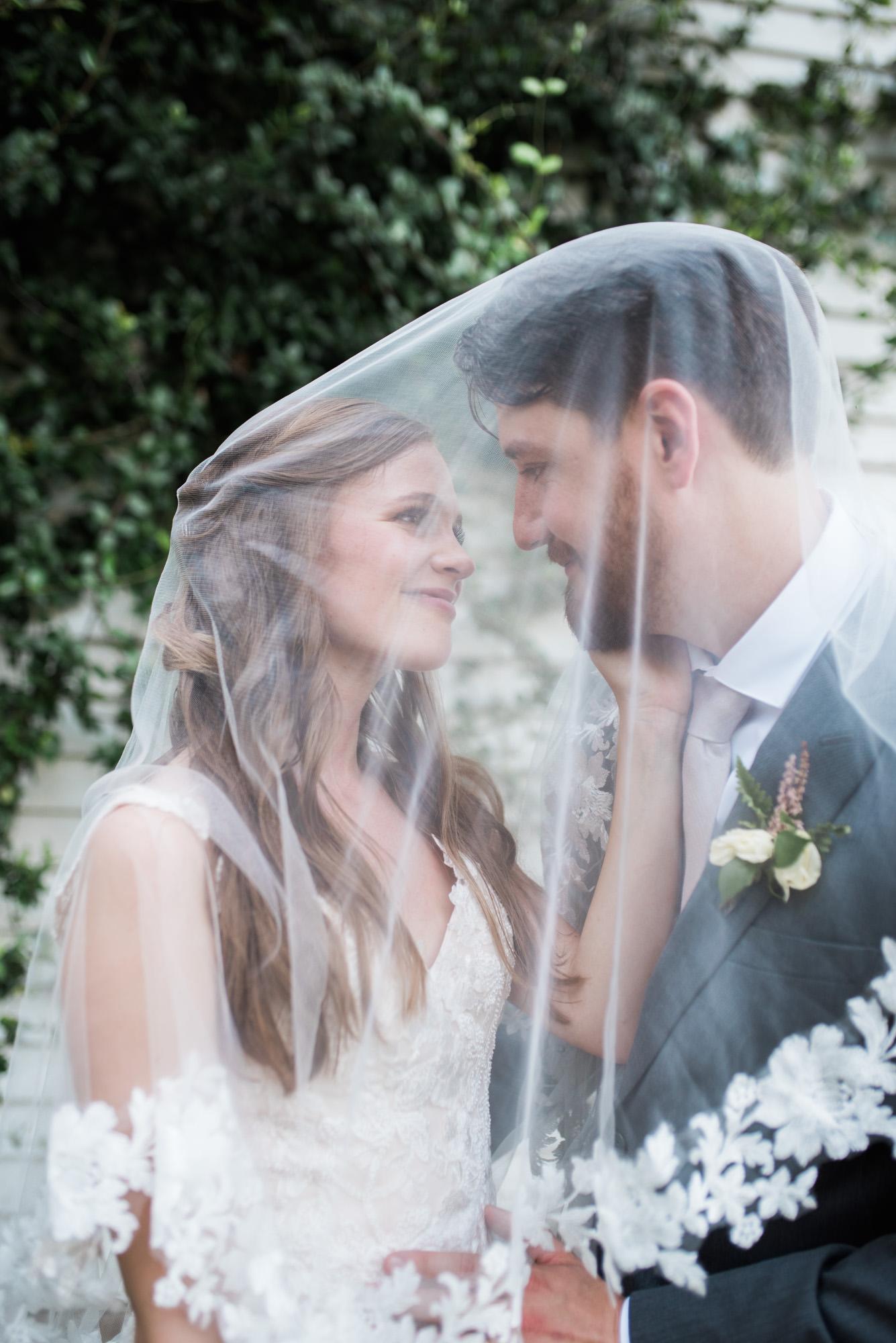 Athens-wedding-veil-couple-61.jpg