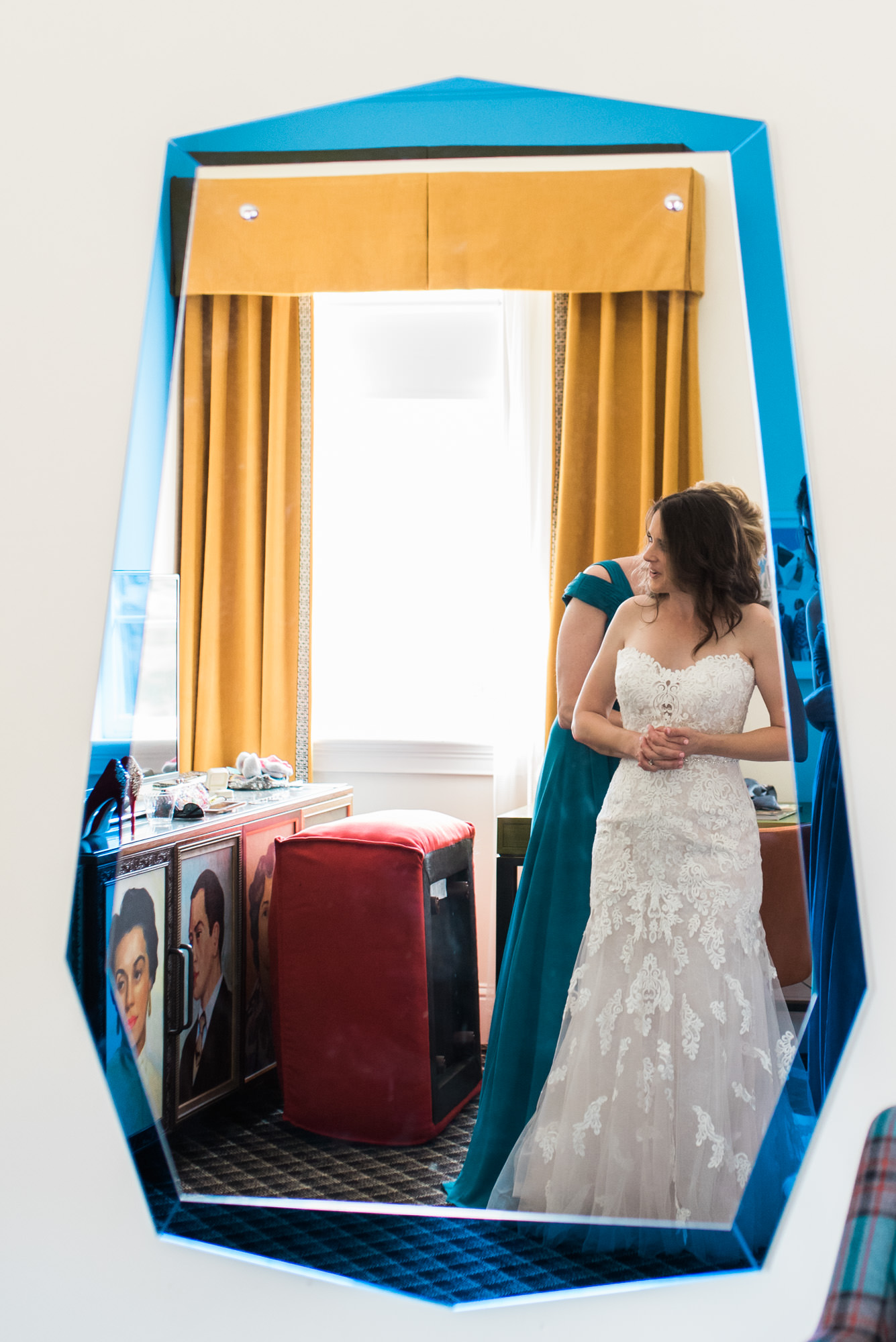 Athens-wedding-mirror-9.jpg
