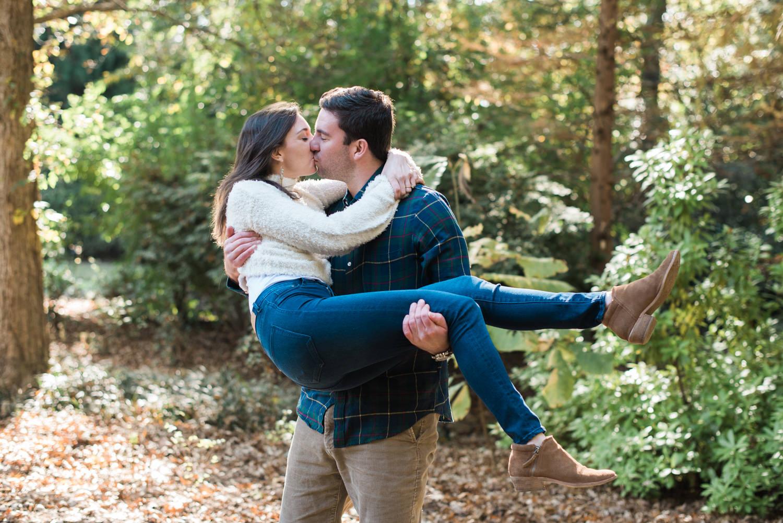 Georgia-engagement-kiss-21.jpg