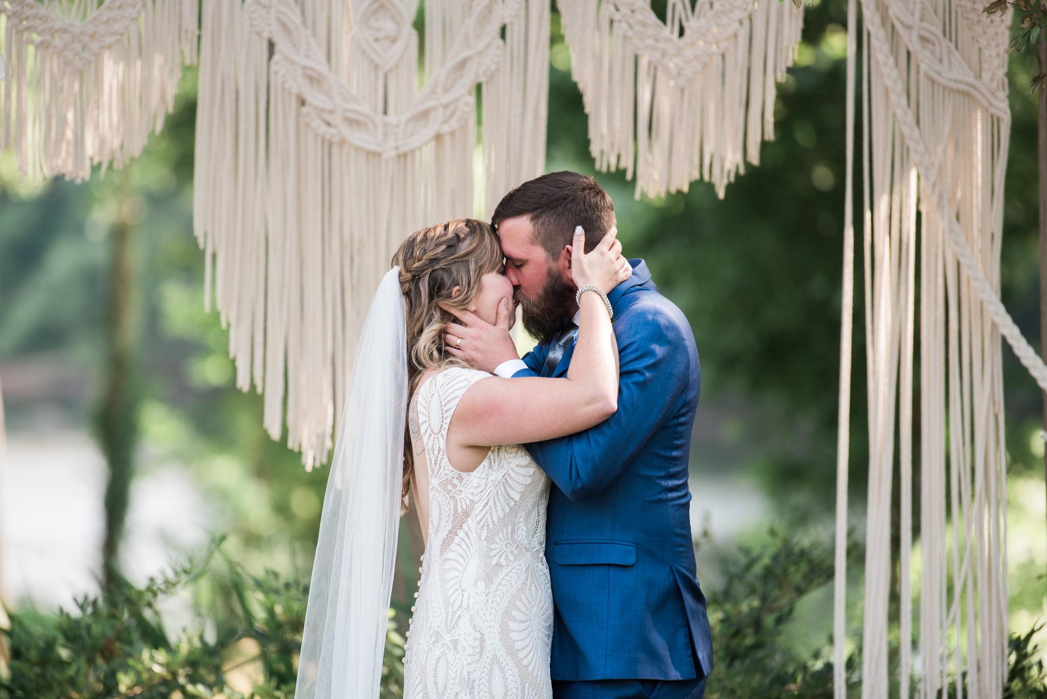Athens-Wedding-kiss-47.jpg