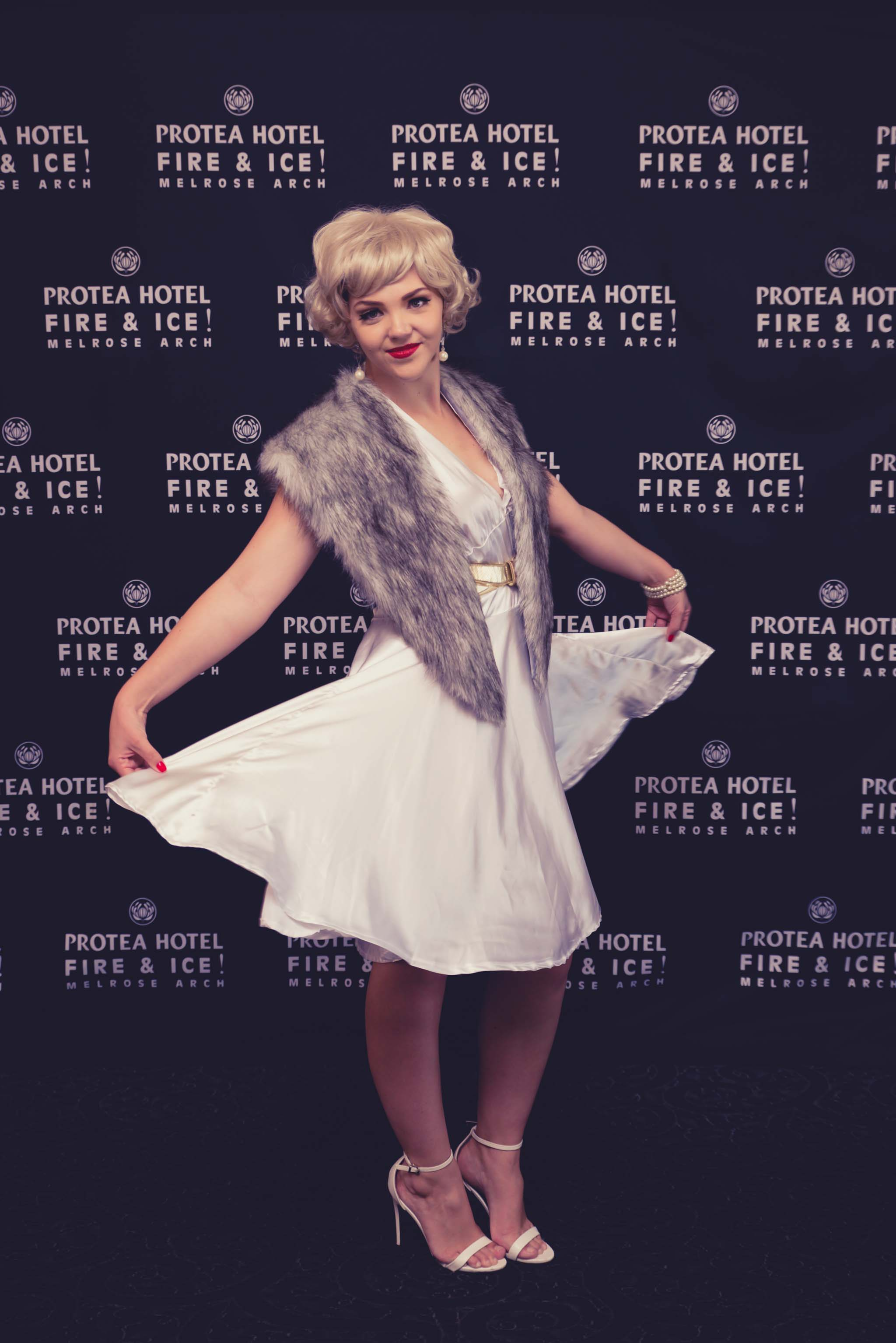hollywood glam low res (203 of 333).jpg