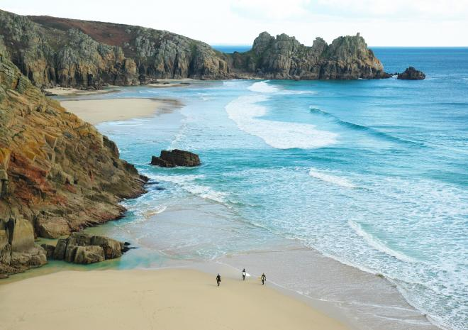- Perfect family fun can always be found on one of Cornwalls many glorious beaches. On your doorstep there's the beach in Mount's bay, then there's Perranuthnoe five minutes away to the east. Porthcurno and Sennen Cove lay to the West and less than 20 minutes away to the north is St Ives Bay!Regardless of the direction you explore you'll come across a fantastic beach on which to relax, sunbathe, surf or explore.