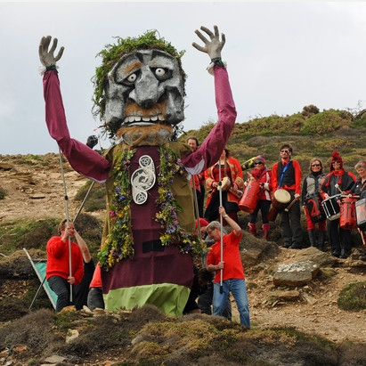 1. St Agnes Bolster Festival  - A celebration of Cornish music and art featuring life size puppets, a drum band and a 28ft giant effigy re-enacting the famous Cornish legend of the giant called Bolster. A great day out for all the family! More info on the legend of Bolster here!