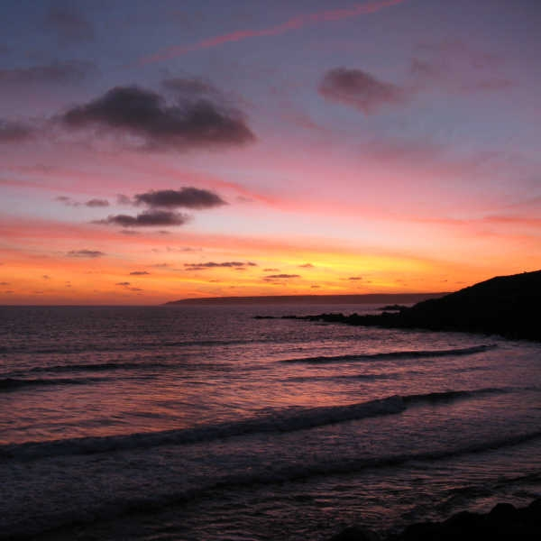 5. Walk to Perranuthnoe & Back - Perranuthnoe isn't too far away from Marazion and boasts a fantastic beach. Timing it right so you walk back from here as the sun is setting means you'd have an awesome view of sun hiding behind St Michael's Mount.