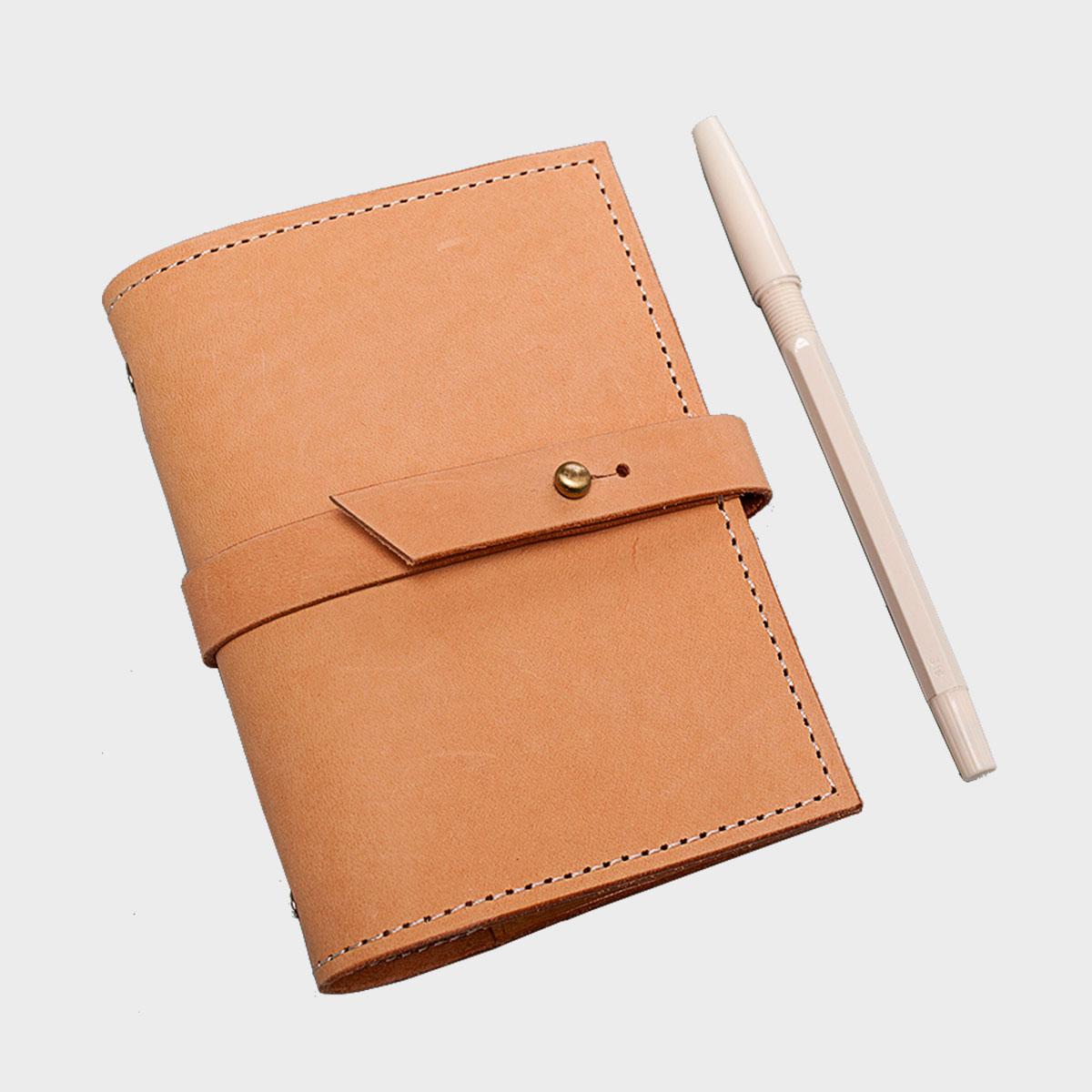 活頁手帳本 Ring-binder Notebook  NT$ 2,200  HDB2012