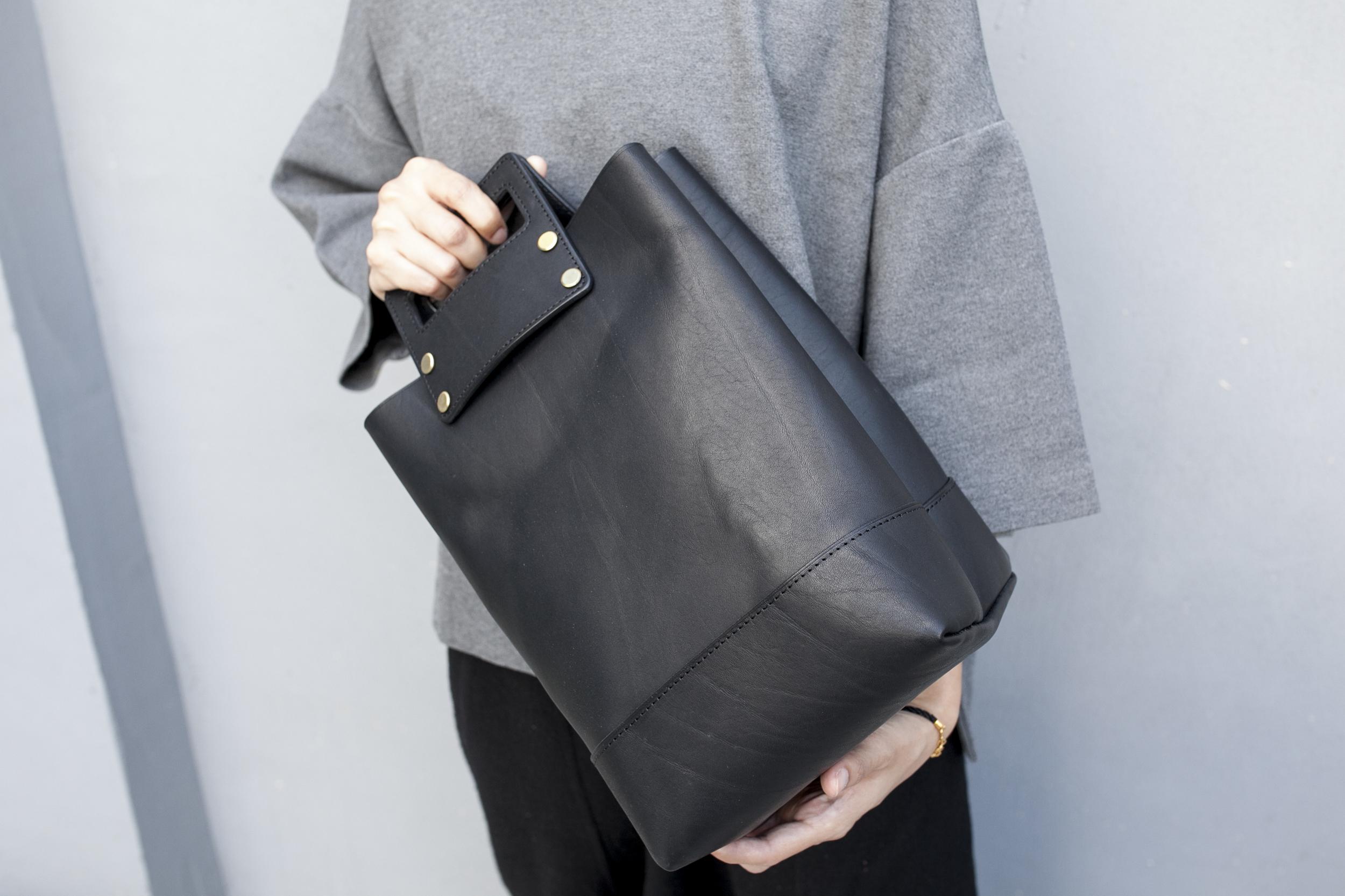 手提托特包Square Tote Bag   NT$ 5,280  HDA0017