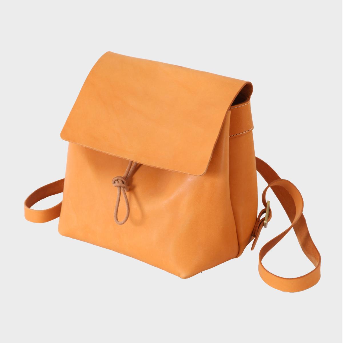 後背小方包Mini Square Backpack   NT$ 4,980  HDA0016