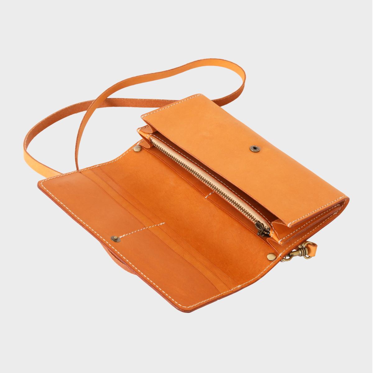 長夾側背包Fold-Over Shoulder Bag NT$ 5,680   HDA0020