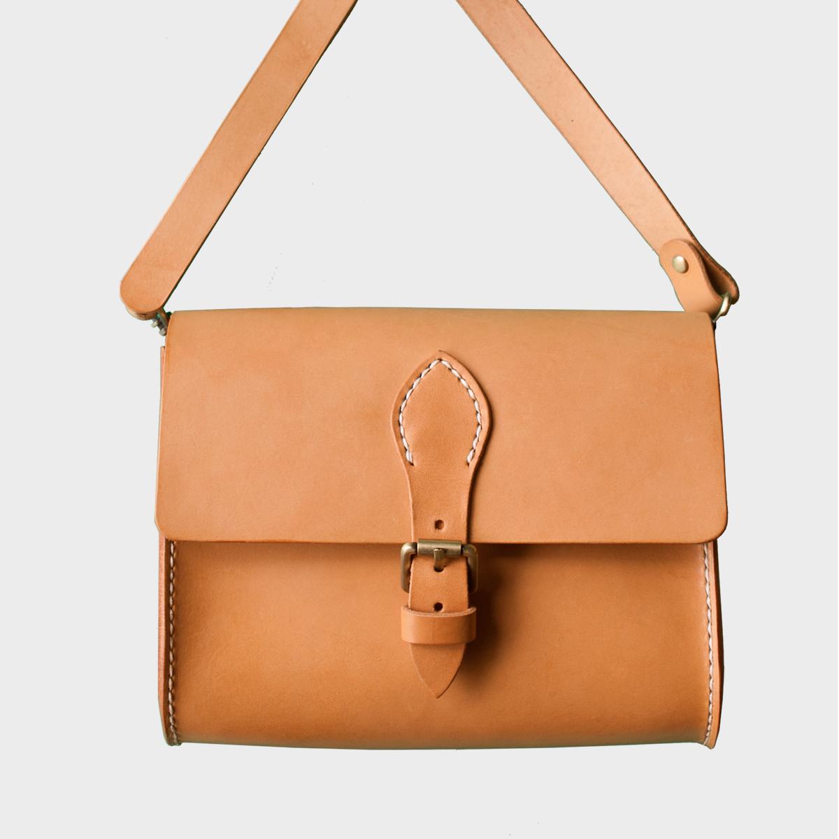 極簡隨身包Portable Bag NT$ 3,980  HDA0006