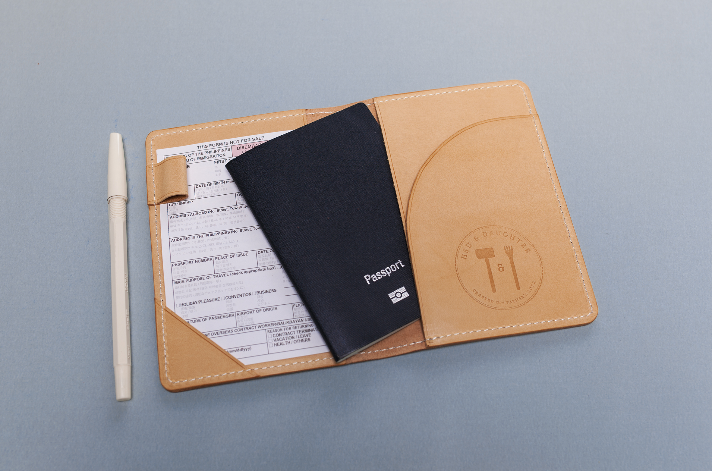 passport_holder_1.jpg