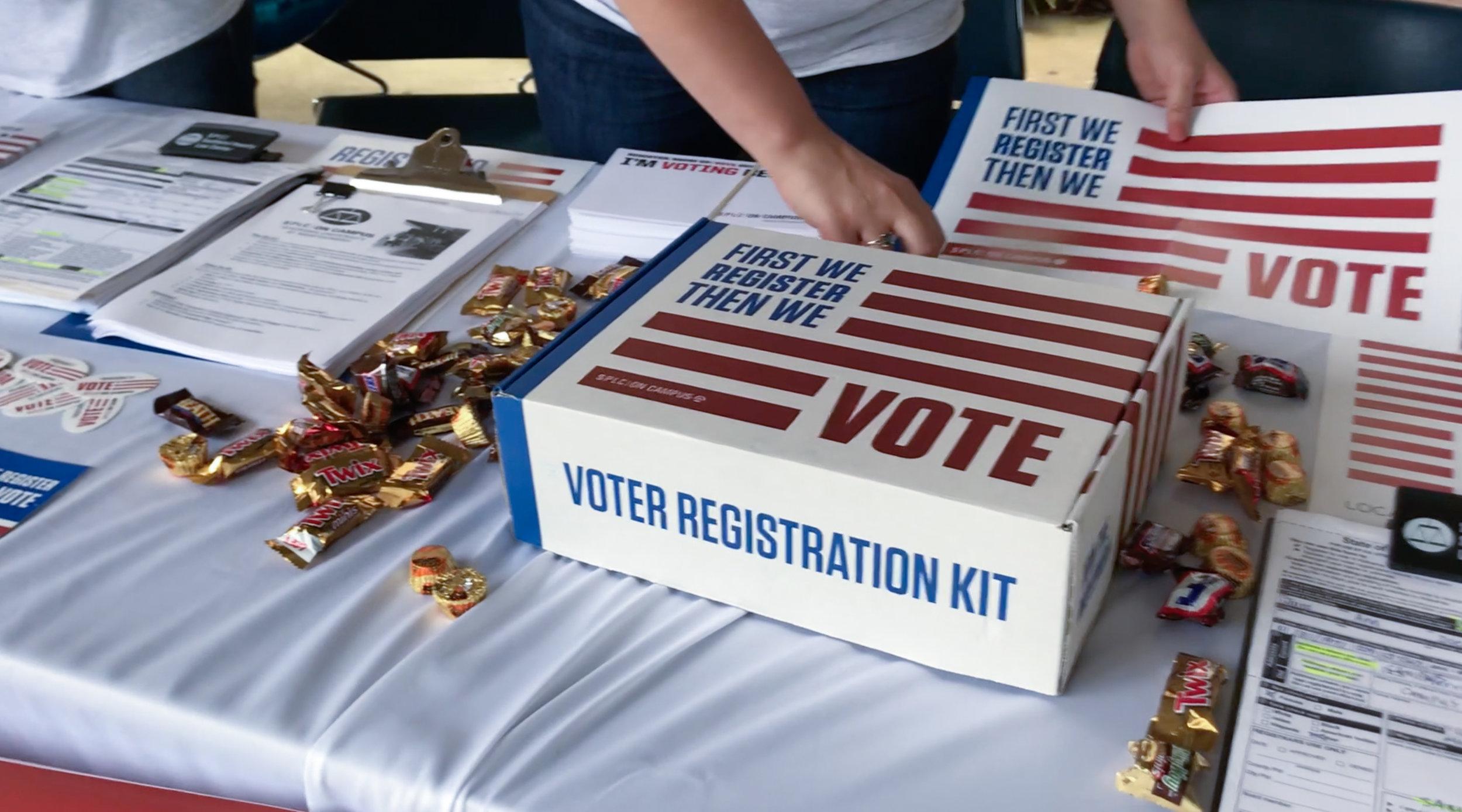 voter-registration-AUM-3.jpg